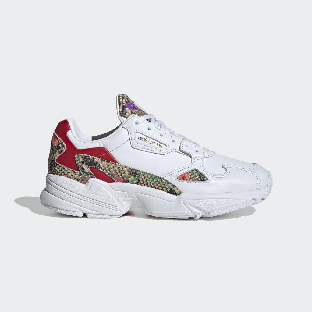 adidas Falcon W Footwear White / Scarlet / Gold Metallic (FV3083)